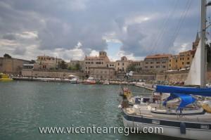 Nubes de desarrollo sobre Alghero